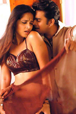Anushka hot with Madhavan