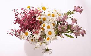 jarrones-y-floreros-con-diseños-florales
