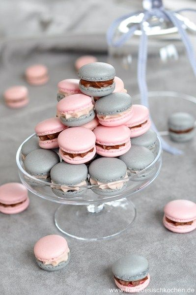 Macarons pink and grey {Cool Chic Style Fashion}
