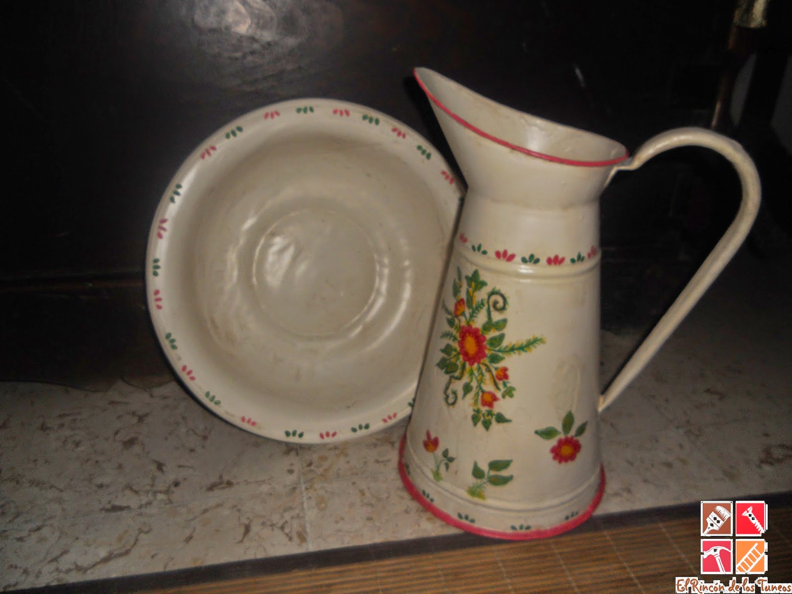 conjunto jarra y palangana decorados a mano