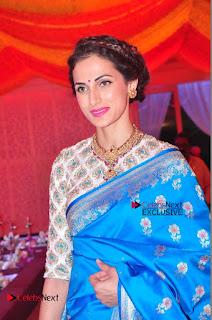 Actress Model Shilpa Reddy Exclusive Stills in Blue Saree at Vijay Karan Aashna Wedding  0027.JPG