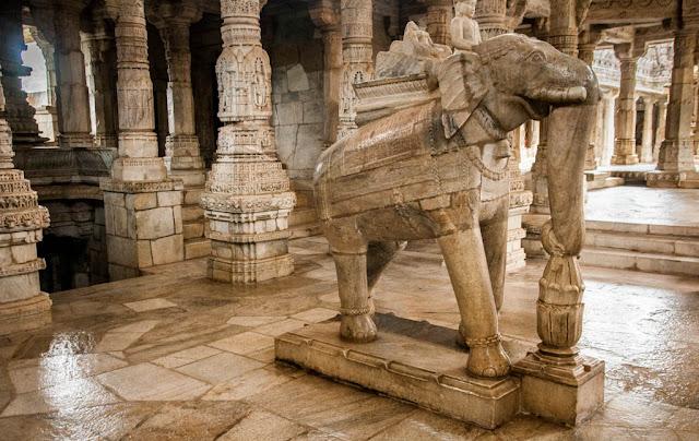 Monumento El Templo de Chaumukha