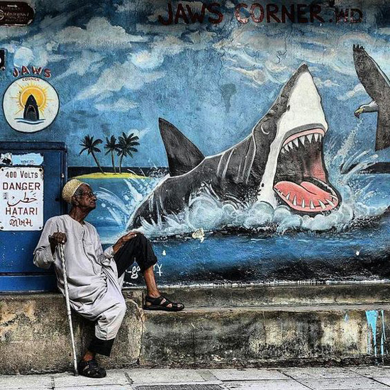 Safari Fusion blog >< African street art | Jaws corner Zanzibar Stone Town, Tanzania