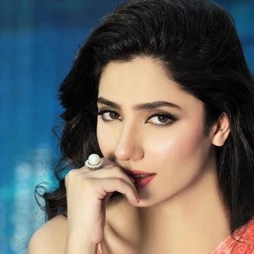Bad news for mahira khan fans  Mahira khan is replaced from Srk movie Raees.rumors are fawad khan also replaced from his little role.mahia khan is no more part of shahrukh khan Raees she will be replaced now.