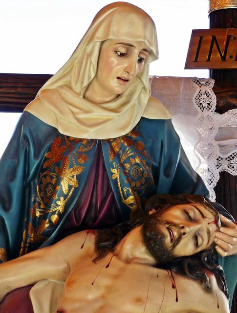 Nuestra Señora de la Vera Cruz. Cofradía Minerva y Vera Cruz. León. Foto G. Márquez.