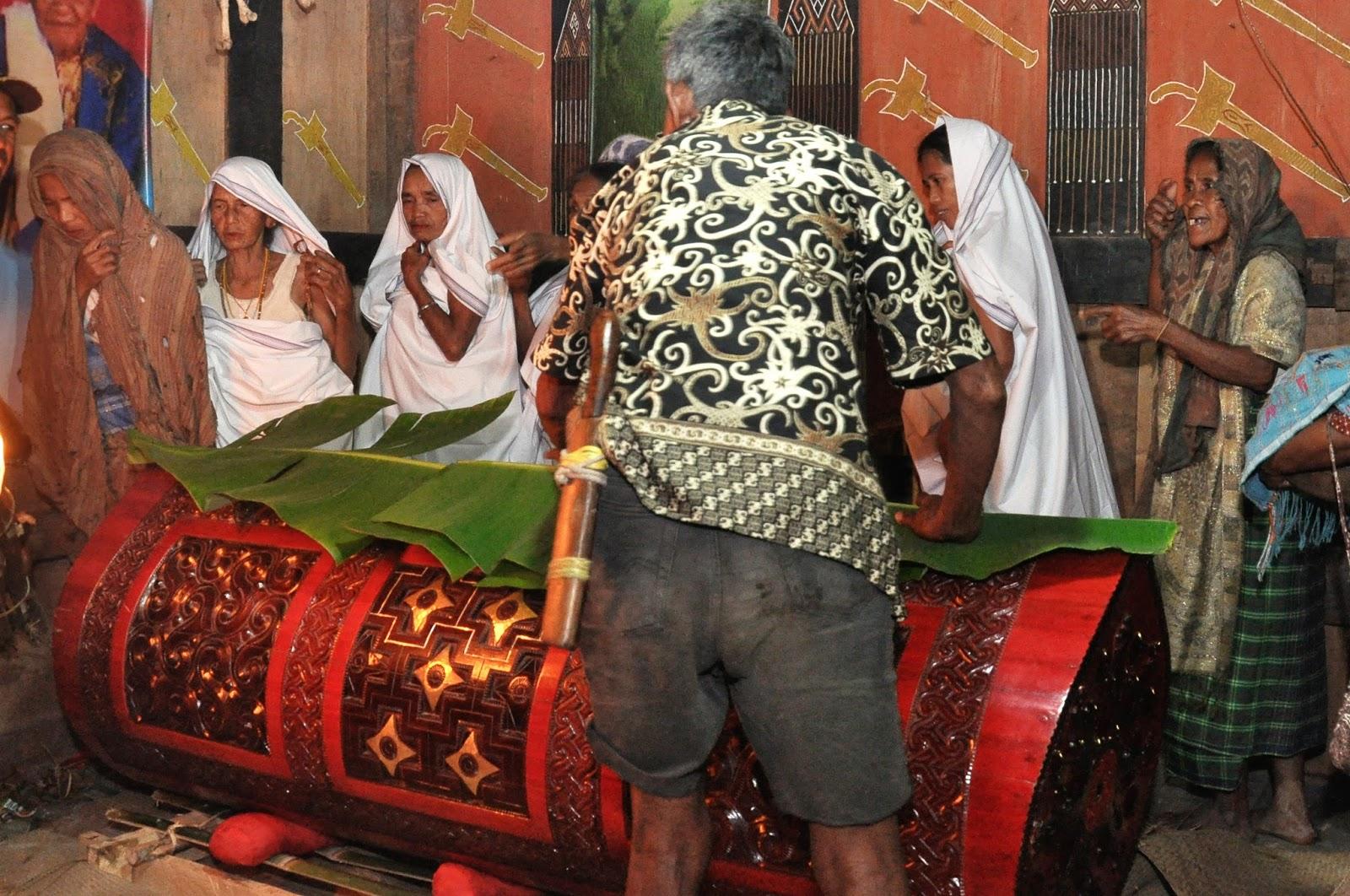 Alasan Mengapa Orang Mati di Toraja Tidak Segera Dikubur