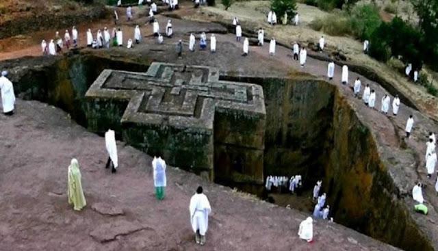 Αιθιοπία: Ο Μυστηριώδης Ναός Του Αγίου Γεωργίου Που Χαρακτηρίζεται Ως Το «Όγδοο Θαύμα Του Κόσμου» (Εικόνες)