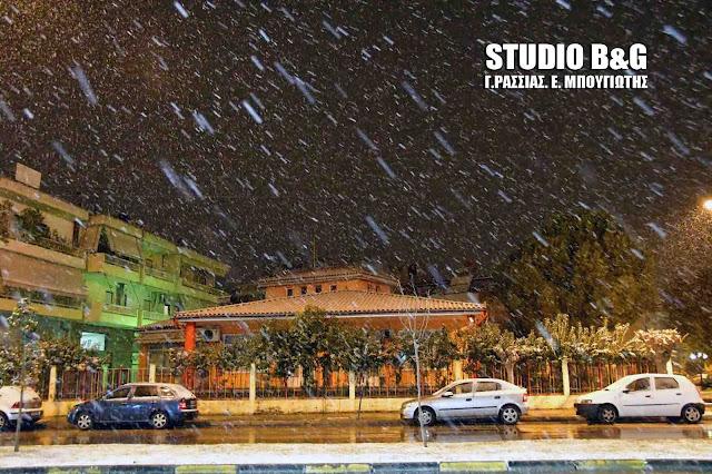 Σφοδρή χιονόπτωση στην Αργολίδα (βίντεο)