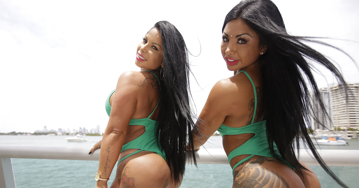 check out these curvy twins who make 20k a month just by
