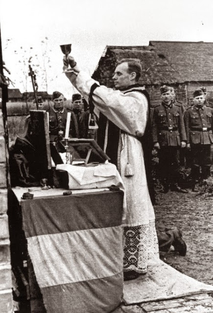Resultado de imagen para misas en las guerras mundiales