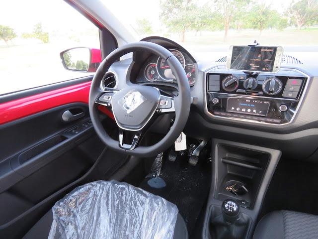 Novo VW Up! 2018 - interior