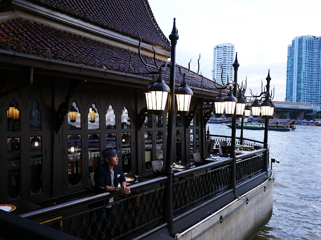 TASTEFUL THAILAND DINNER AT SALATHIP, SHANGRILA BANGKOK