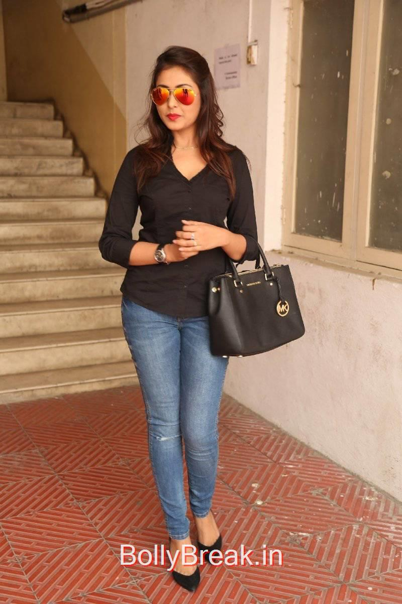 Madhu Shalini Photo Gallery with no Watermarks, Madhu Shalini Pics in Tight Blue Jeans & Black Top