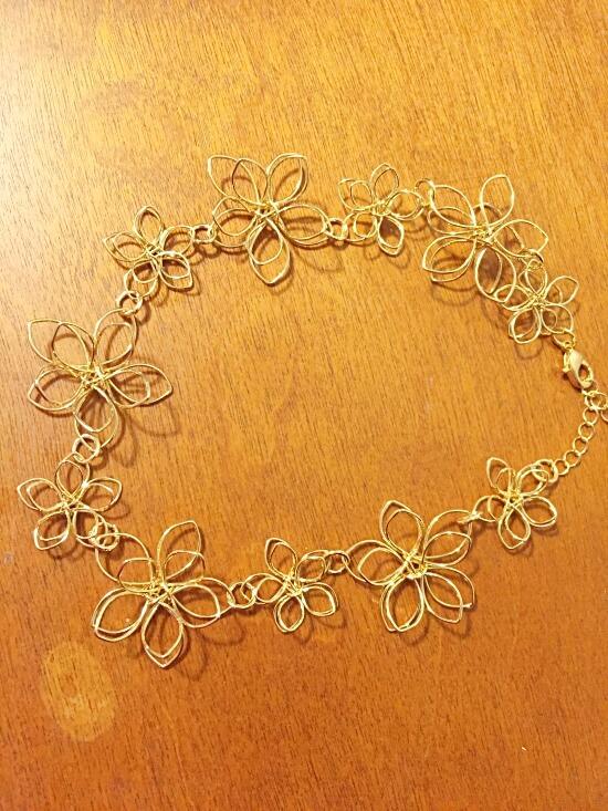 gold flower choker