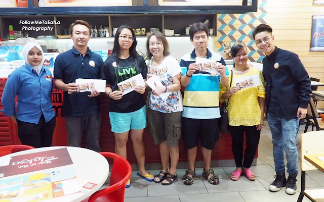 Shoppers With Their Lucky Food Vouchers At Sepiring