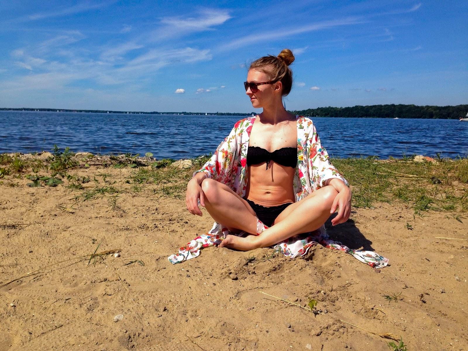 międzynarodowy dzień jogi nad zalewem Zegrzyńskim