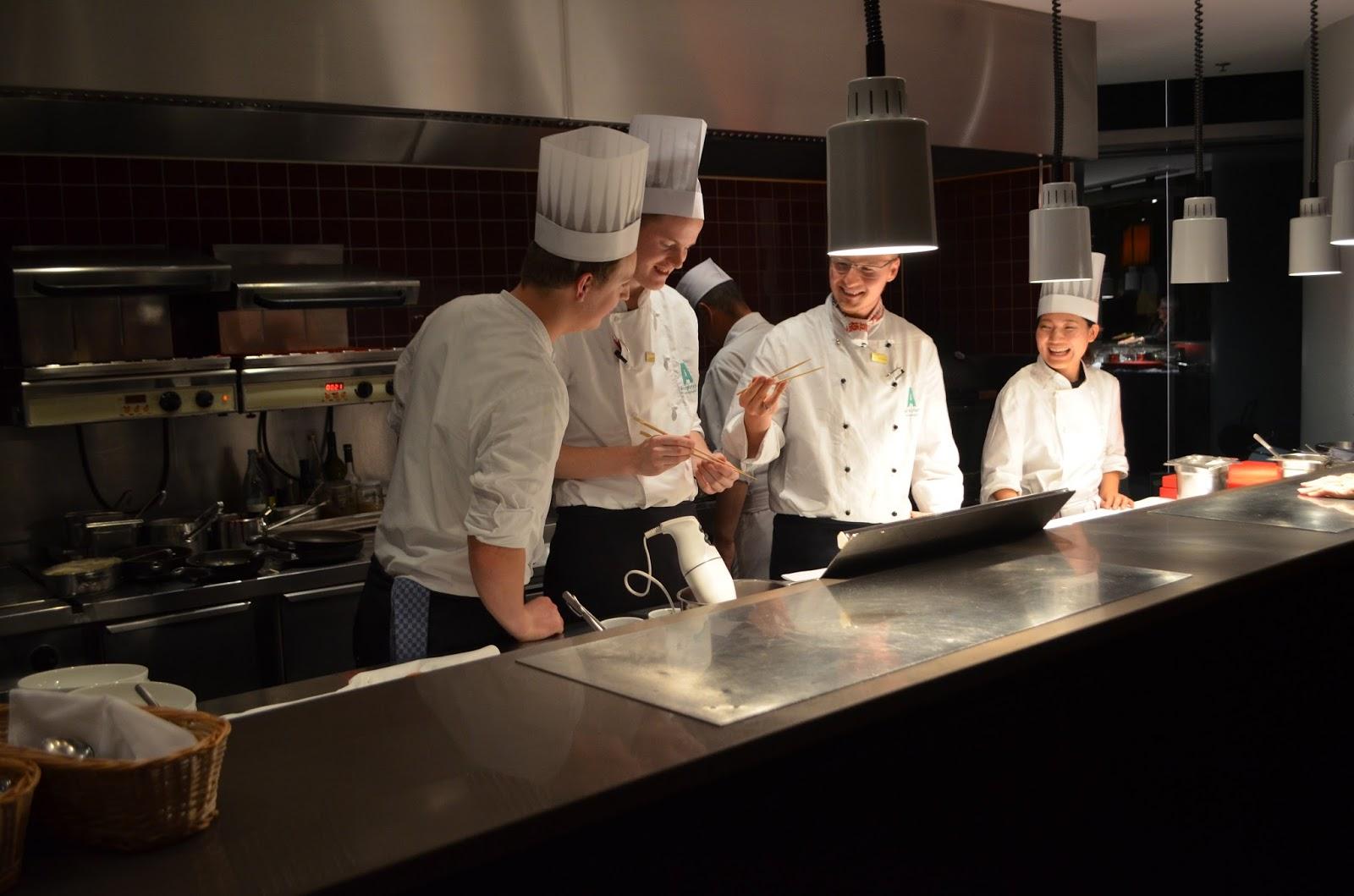 Berühmt Dekorationen Für Küchenparty Ideen - Küchenschrank Ideen ...