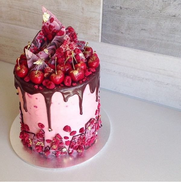 cherry cake  - 20+ Colorful Yummy Cake You Want To Eat