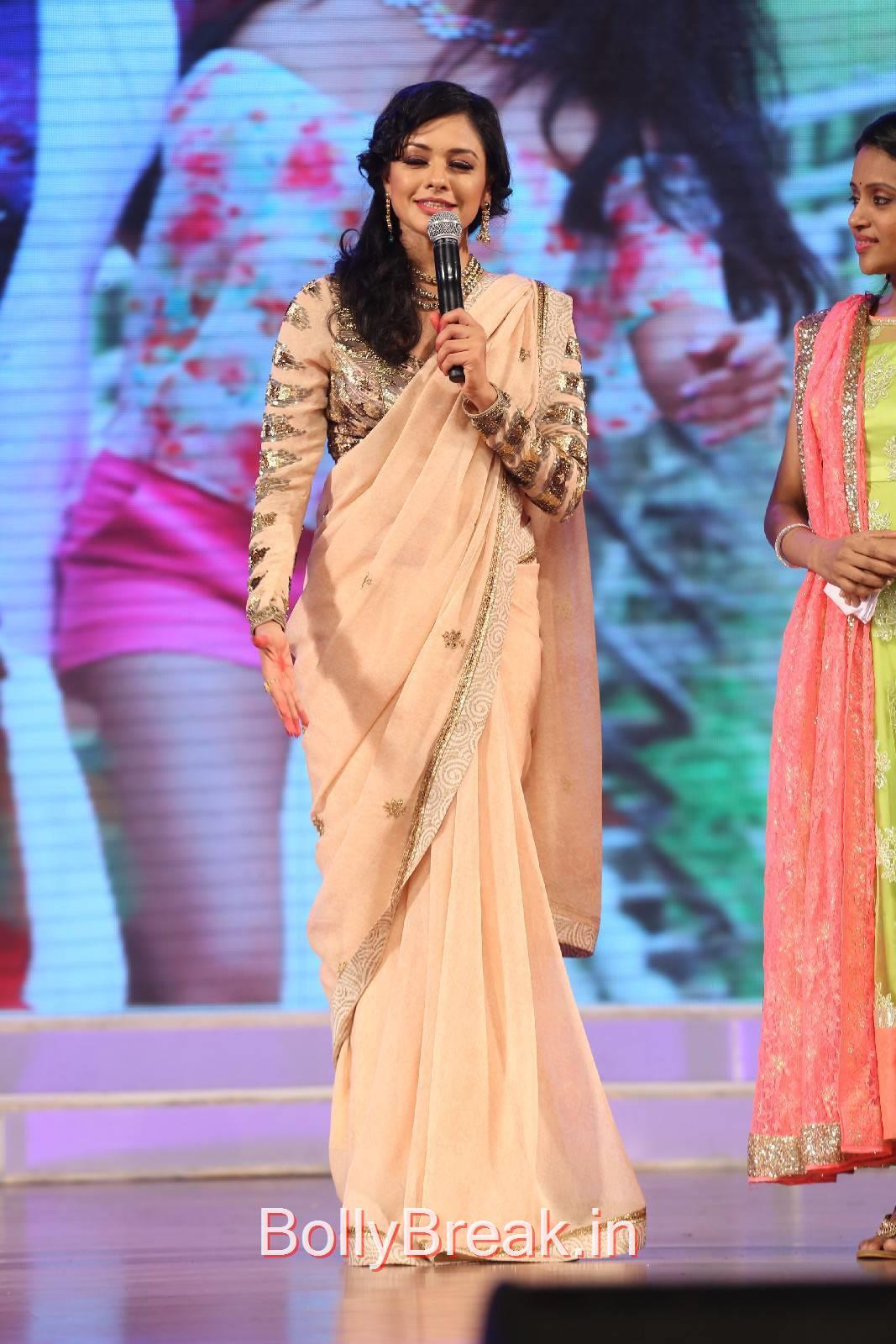 Pooja Kumar Unseen Stills, Pooja Kumar HD Pics in Saree