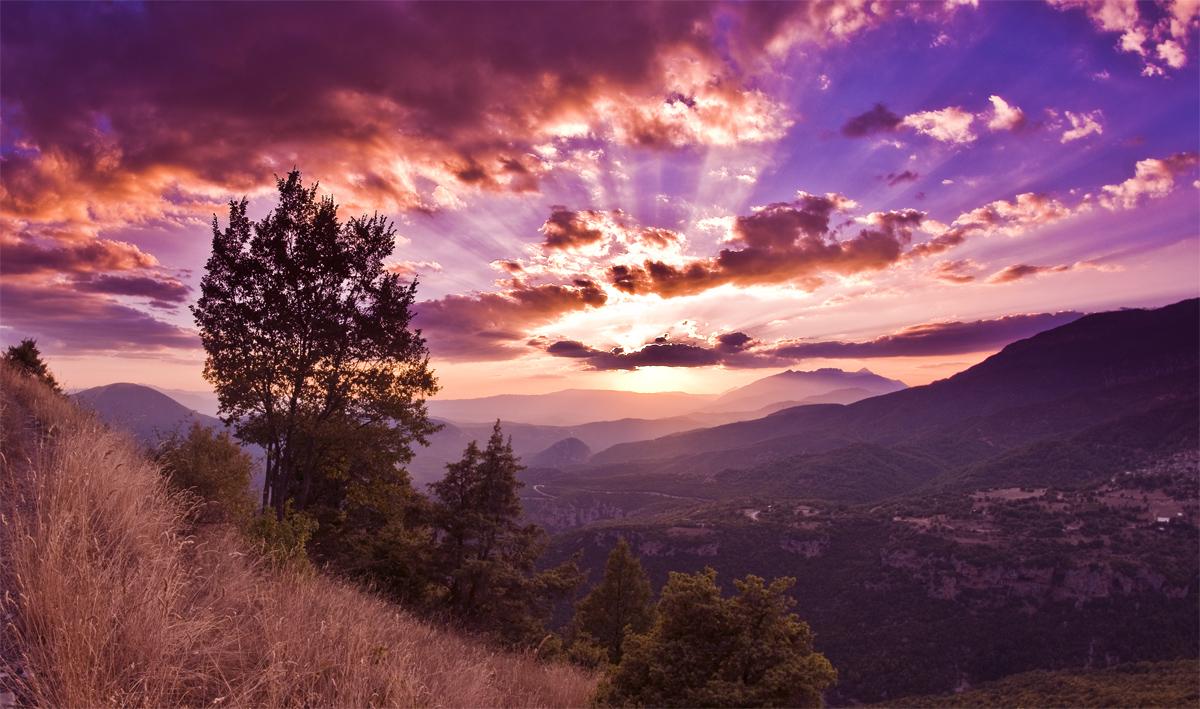 Ηλιοβασίλεμα κάτω απο την Γκαμήλα