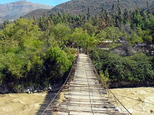 Resultado de imagen para puente colgante El Toyo  Cajón del Maipo