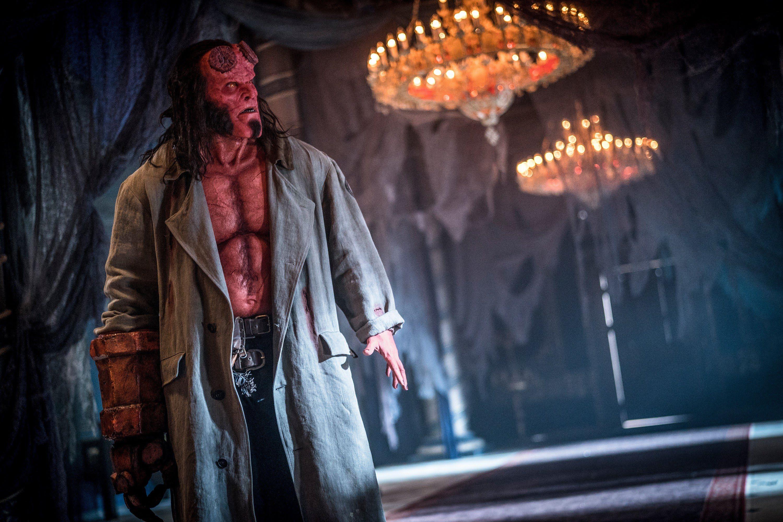 Hellboy : 過激な血まみれバイオレンス描写を盛り込んだ大人向けのヒーロー映画「ヘルボーイ」のテレビスポット 2 本立て ! !