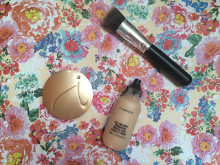 long lasting lightweight foundation