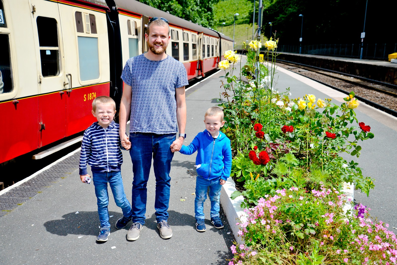 bodmin and wexford railway station, steam train cornwall, family travel, uk family holidays with kids