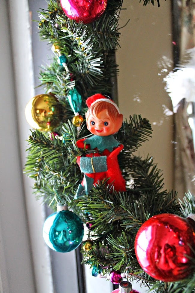 diy shiney brite retro christmas wreath with vintage elf on a shelf