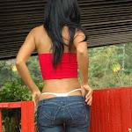 Andrea Rincon, Selena Spice Galeria 21 : Jean Azul y Top Rojo Foto 37
