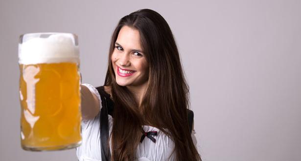 Bier für Haar: Hier ist, wie man Bier verwendet, um gesundes, weiches, glänzendes Haar zu erhalten