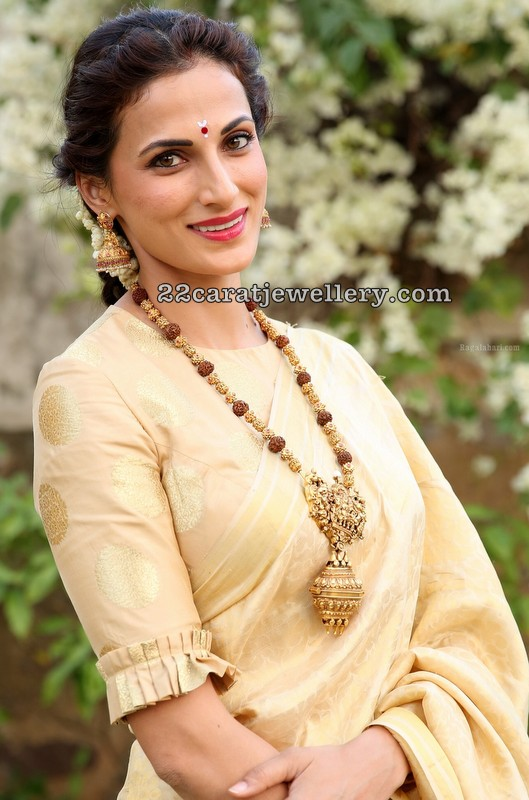Shilpa Reddy in Rudraksha Beads Set