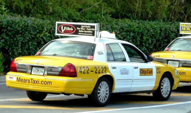 Andando de táxi em Orlando