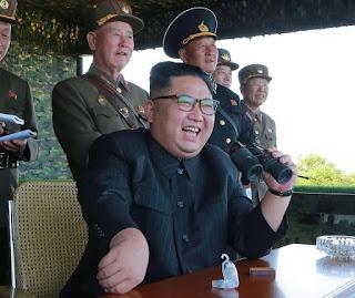 كيم يونغ زعيم كوريا الشمالية يهدد بدفن امريكا وانجلترا تحت الماء