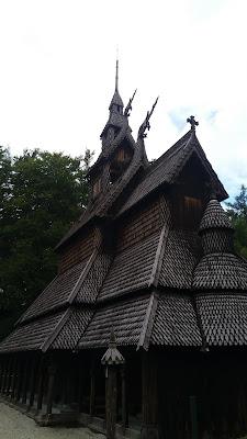 Iglesia madera Fantoft