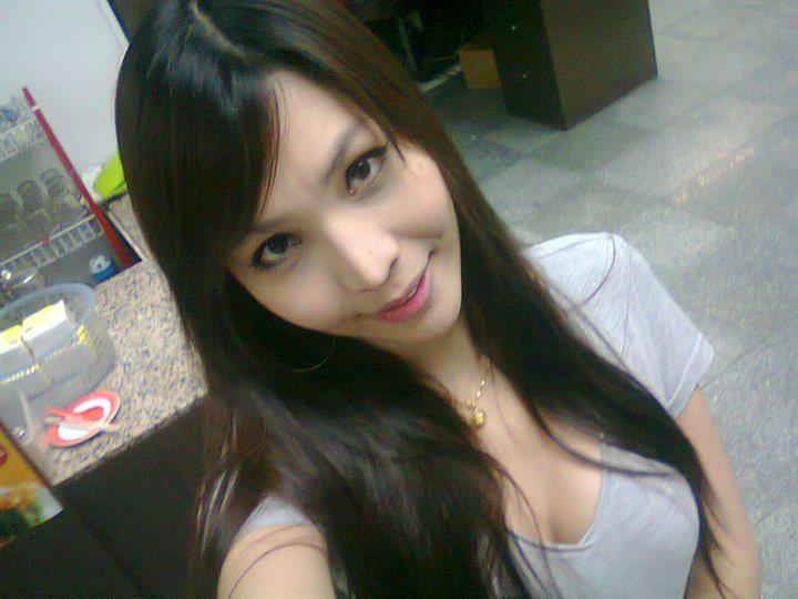 Foto Sexy Montok Cewek: Foto Cewek Amoy Seksi Pamer Toket Gede Montok HOT