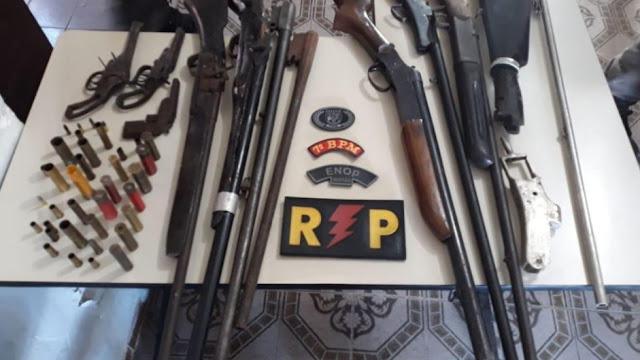 Operação Prossecução em três cidades do sertão  de Alagoas, prende cinco pessoas e apreende armas e munições