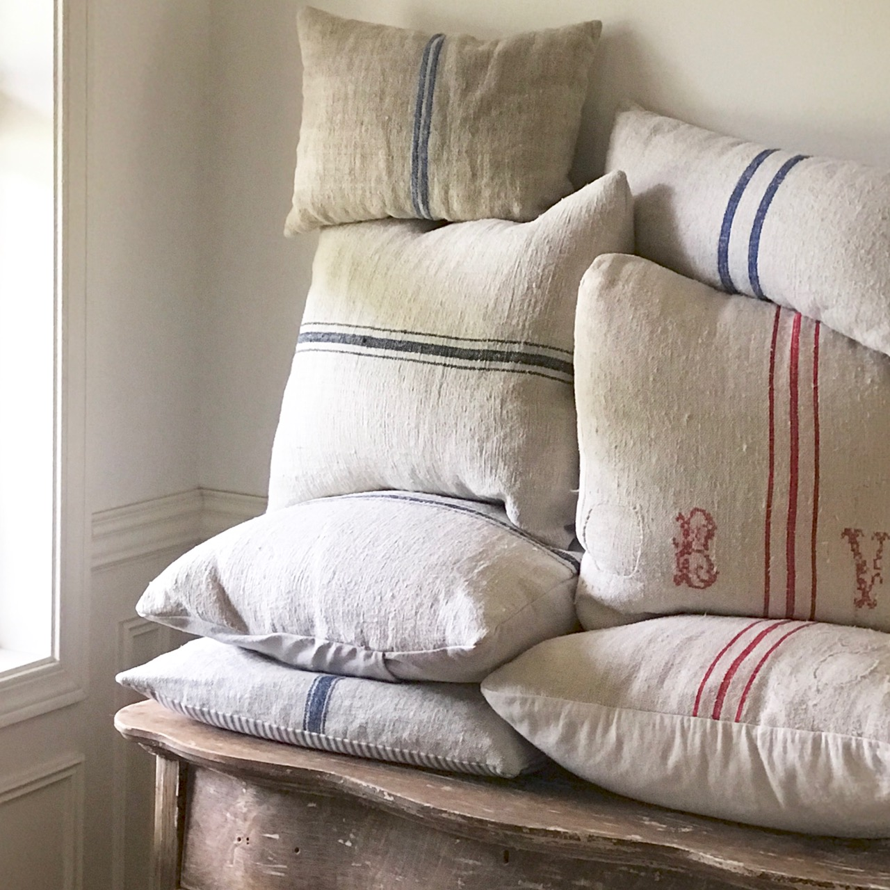 The Soft Colors And That Great Nubby Texture Of Grain Sacks Provide European Farmhouse Feel So Many Us Adore Part Charm