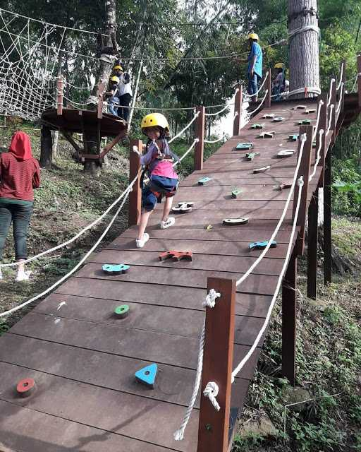 Wahana Camping Ground Claket Adventure Park Pacet Tarif Rp 10.000