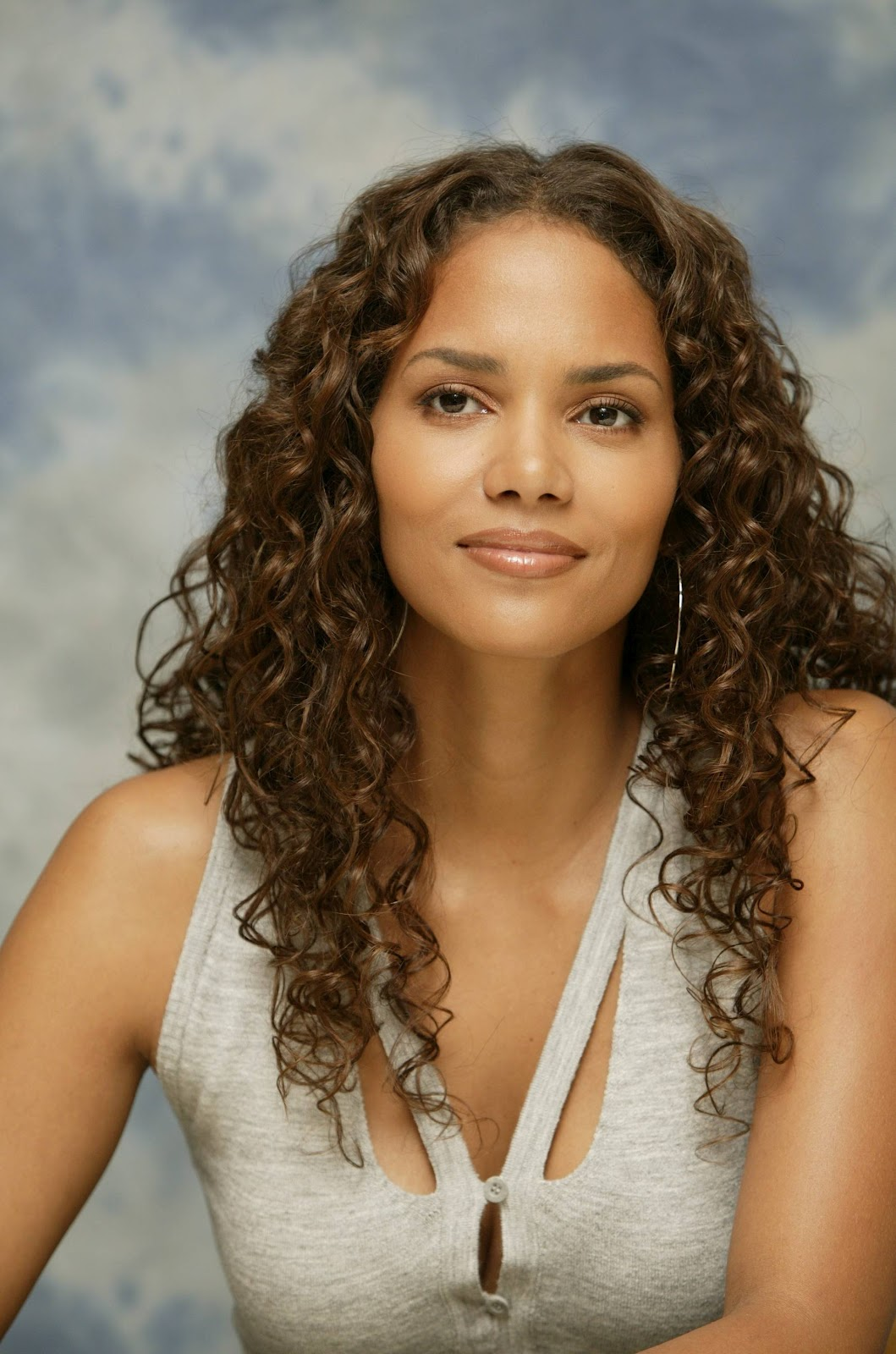 Halle Berry Different Hairstyles 2012 Lifestyles 717