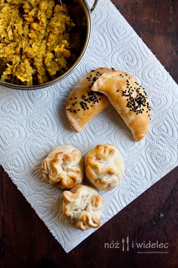 pierogi, cieciorka, curry