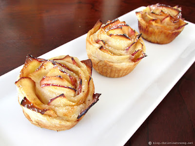 Autumn Apple Rose. Easy treat for Fall. Perfect Recipe for Thanksgiving.