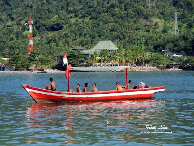 perahu pulau merak