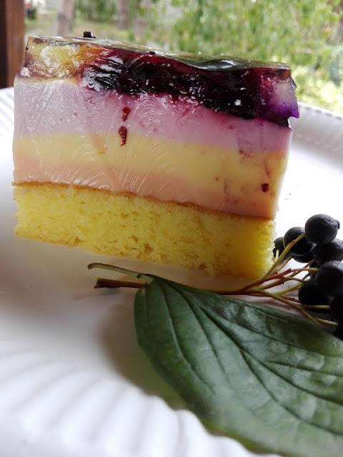 kolorowe ciasto z galaretek
