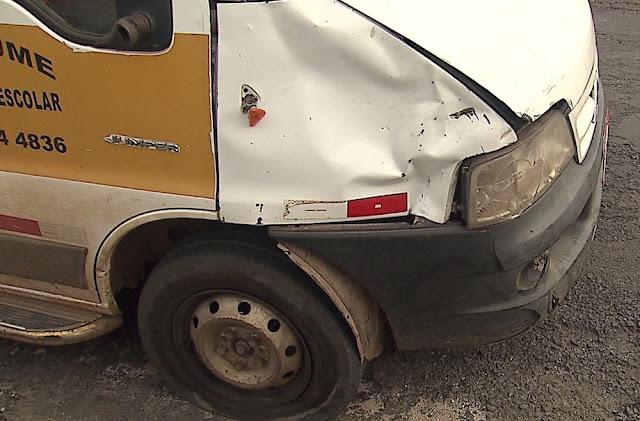 Motociclista morre em acidente com van escolar em Ponta Grossa
