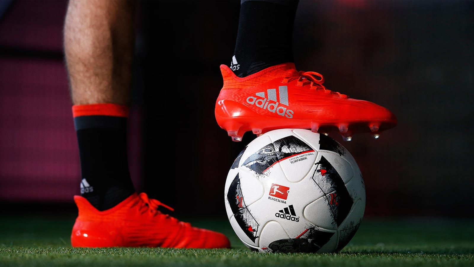 Adidas torfrabik 16 17 bundesliga fu ball ver ffentlicht for Bundesliga videos