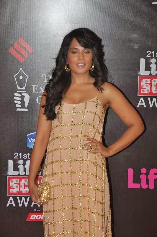 Richa Chadda, Evelyn Sharma, Tabu At Screen Awards 2015