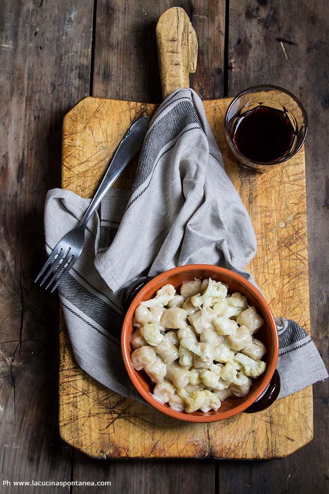 Ricetta degli gnocchi all'acqua con cavolfiore e gorgonzola