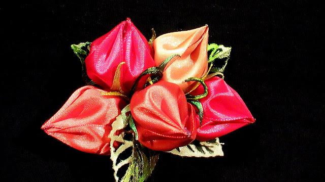 Воздушные цветы канзаши
