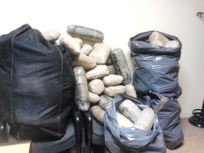 Συνελήφθησαν τρία άτομα με 214 κιλά κάνναβης